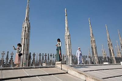"""""""Дуомо"""" """"Дуомо"""" или катедралата е един от най-емблематичните паметници на Милано. За завършването на това творение на готическата..."""