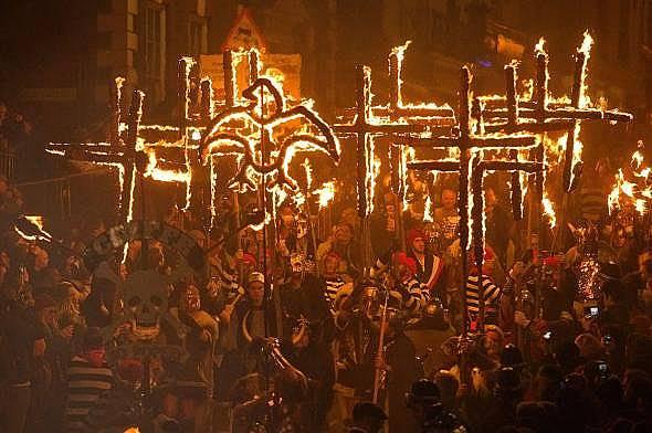 Много от съвременните традиции за Хелоуин са свързани с древния празник Сауин.  Снимка: Джъстин Талис AFP/Getty Images