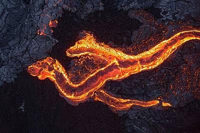 Лавата на вулкана Килауеа в Хавай