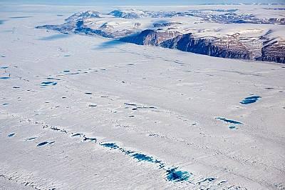 Пещери в Гренландия може би ще разкрият защо в миналото климатът на острова се е променил