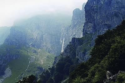 Райското пръскало - най-високият водопад на Балкански полуостров