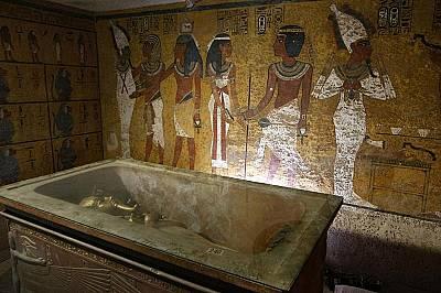Откриха ли гробницата на Нефертити?