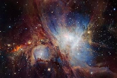 Много големият телескоп на Eвропейската южна обсерватория наскоро засне този изумителен инфрачервен кадър на мъглявината Орион, която тук не е предста...