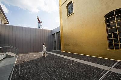 Fondazione Prada Milano Fondazione Prada Milano е ново място, посветено на споделянето на съвременно изкуство и култура с обществото. Комплексът се на...