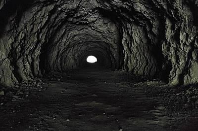 """""""И най-дългият тунел има край и светлина""""Подгласник, първо място в категория """"Дръзки изследователи"""" Дори най-дългият ту..."""