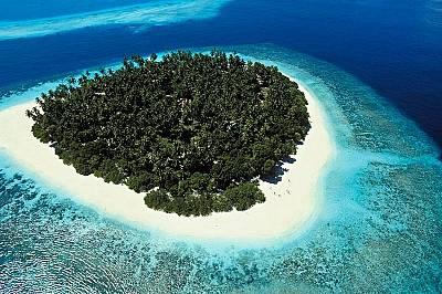 Малдивските островиwww.visitmaldives.comМалдивските острови се простират югозападно от Шри Ланка и са 1102  на брой.