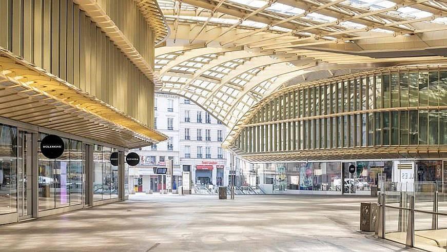 Forum des Halles - един от най-големите търговски центрове в Европа. Ежедневно тук пазаруват над 150 000 души.