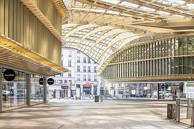 Зловещата празнота на Париж - галерия