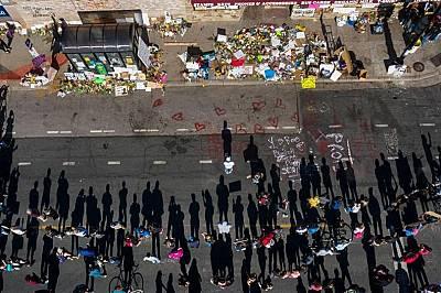 """""""Боли ни""""– тъга и ярост в Минеаполис"""