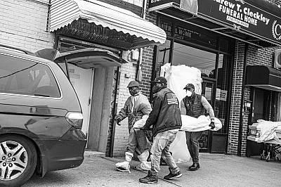 Расизъм и коронавирус убиват чернокожите. Протестите не са достатъчни