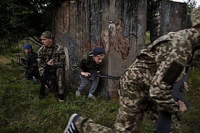 Военна тренировка в летен лагер