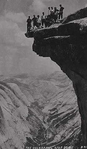 Халф Доум, снимка от 1919 г.Халф Доум се променя, големи парчета се откъсват от скалата. Снимката е от 1919 г.