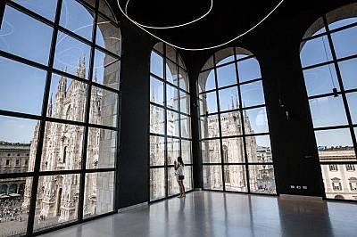 Museo del NovecentoВ Museo del Novecento има над 4000 творби, представящи италианско изкуство от XX век. От панорамната тераса на музея посетителите м...