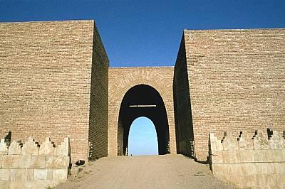 Портата МашкиДревните жители на Ниневия вероятно са извеждали животните през портата Машки за водопой