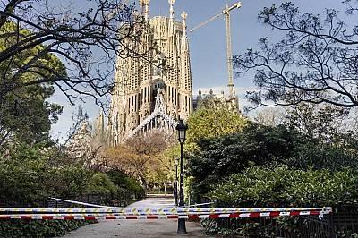 Саграда Фамилия в Барселона напълно опустяла