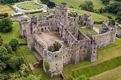 Замъкът Раглан, XV в.