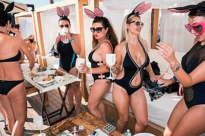 Съботно парти в Blue Marlin Ibiza beach club.