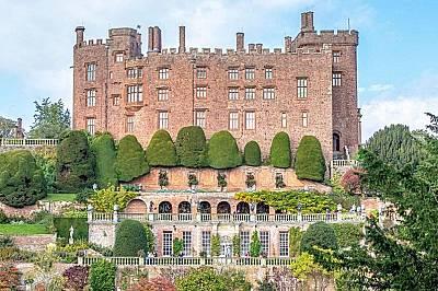 Замъкът Поуис