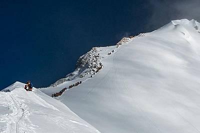 Не тълпата убива хората на Еверест, казва Ками Рита Шерпа