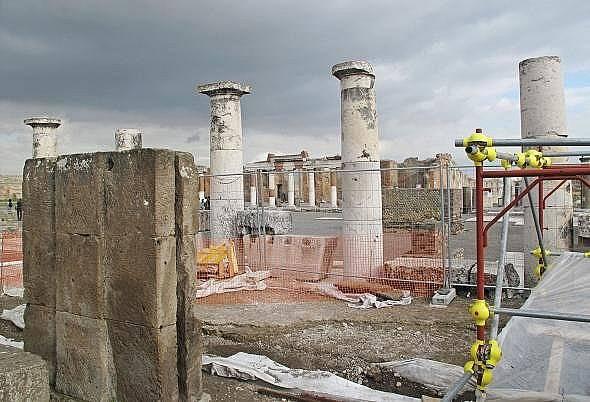 Европейският съюз и италианското правителство подсигуряват над 100 милиона евро за реставрирането на Помпей.