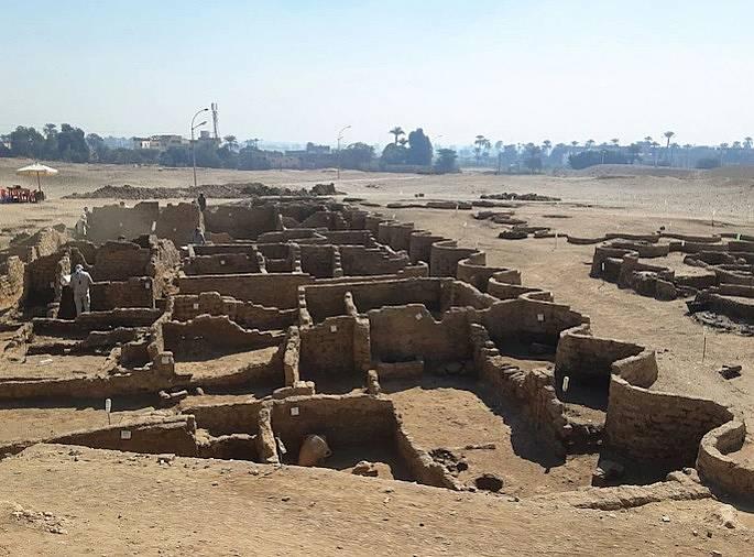 Стените на 3400-годишния град