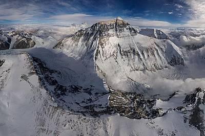 Невероятно! Да видиш Еверест от небето...