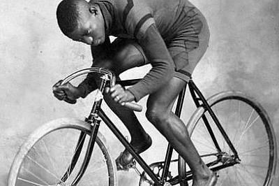 Американецът Маршъл Уолтър Тейлър печели седем световни рекорда. Започва да се състезава през 1896 г.