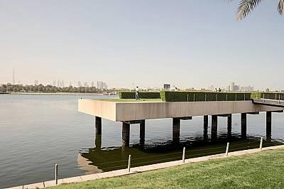 Десетината голф игрища в Дубай привличат много от 15-те милиона туристи годишно и разчитат на скъпоценните водни ресурси. За да бъде теренът зелен &am...
