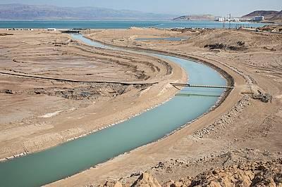 Мъртво море става все по-мъртво