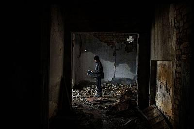 Дванайсетгодишният Никита в разрушено училище