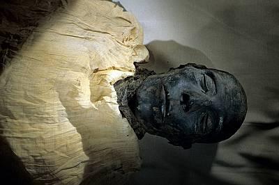Историческо шествие на египетски царски мумии