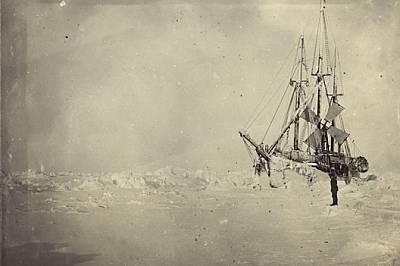 С платна, парен двигател и корпус, проектиран да издържи на натиска на ледовете, корабът на Нансен бил оборудван и с удобства като електрически лампи,...