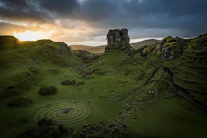Шотландия, келтска спирала.Келтската спирала представлява пътуването ни към по-висша духовна форма. За древните ирландци тя е била символ на слънцето...