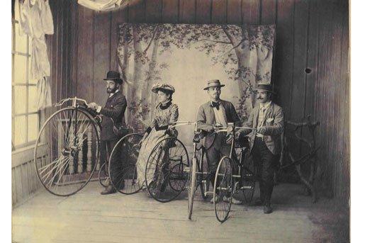 Първата българска колоездачна група