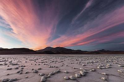 Лагуната Туяхто в пустинята Атакама, Чили.