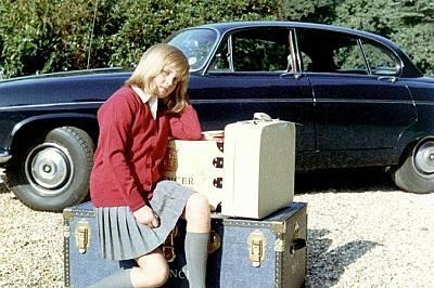 Даяна, преди да замине в пансион в Ридълсуърт Хол.Даяна, преди да замине в пансион в Ридълсуърт Хол през есента на 1970 г. Разстроена от раздялата с д...