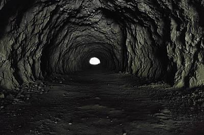"""И най-дългият тунел има край и светлинаПърво място в категория """"Дръзки изследователи"""""""
