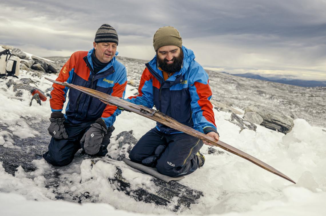 В края на септември екипът намира втората от двете ски, датирани на възраст 1300 години.