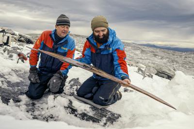Откриха най-стария чифт ски сред ледовете на Норвегия
