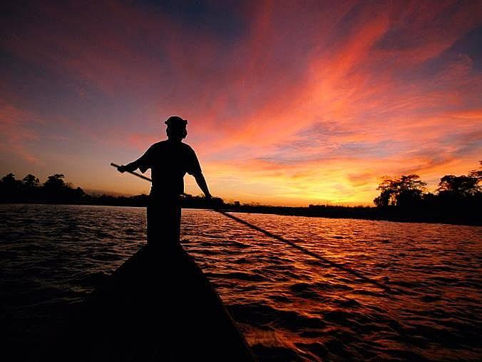 Кану, Мианмар (Бирма)Кану по залез слънце в Мианмар (Бирма).