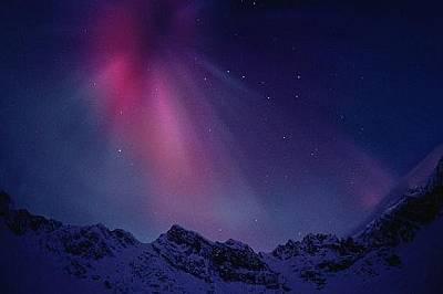 Бонбонени сияния над Аляска