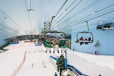 """Чудо на климатизацията""""Ски Дубай"""" е първият закрит ски парк в Близкия изток, където жителите на емирствата обикновено усвояват спо..."""
