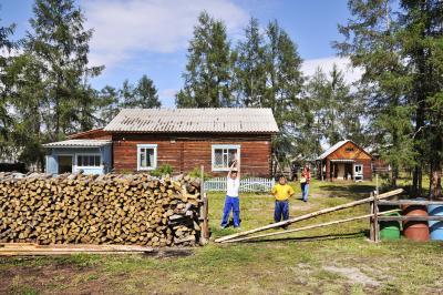 Типична къща в тайгата и в село Оймякон.