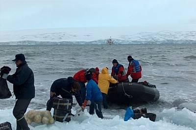 """Гумените лодки """"Зодиак"""" са основно транспортно средство в крайбрежните води на Антарктида."""