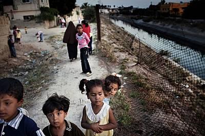 """Машара - фермерско село в Йордания източно от р. Йордан - дължи съществуването си на 110-километровия канал """"Крал Абдула"""". Неговите..."""