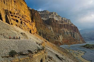 Небесните пещери на Непал
