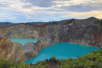 Разноцветните кратерни езера