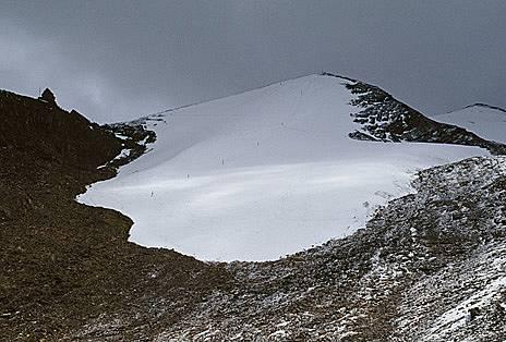 """Много сняг... някогаПреди години, казва един стар скиор, """"имаше фантастични условия"""" в най-високия ски курорт в света - намиращия с..."""