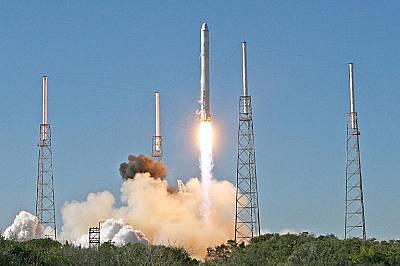 През 2010 г. ново поколение ракета SpaceX's излетя в Космоса