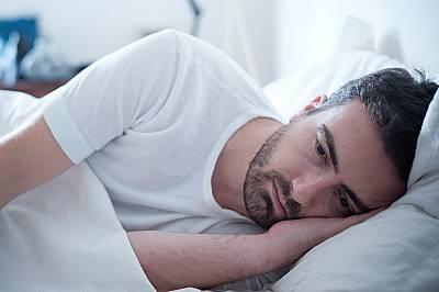 3. Въпреки постоянната умора страдате от проблеми със съня.